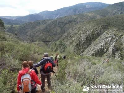 Travesía de senderismo desde El Atazar a Patones; excursiones españa